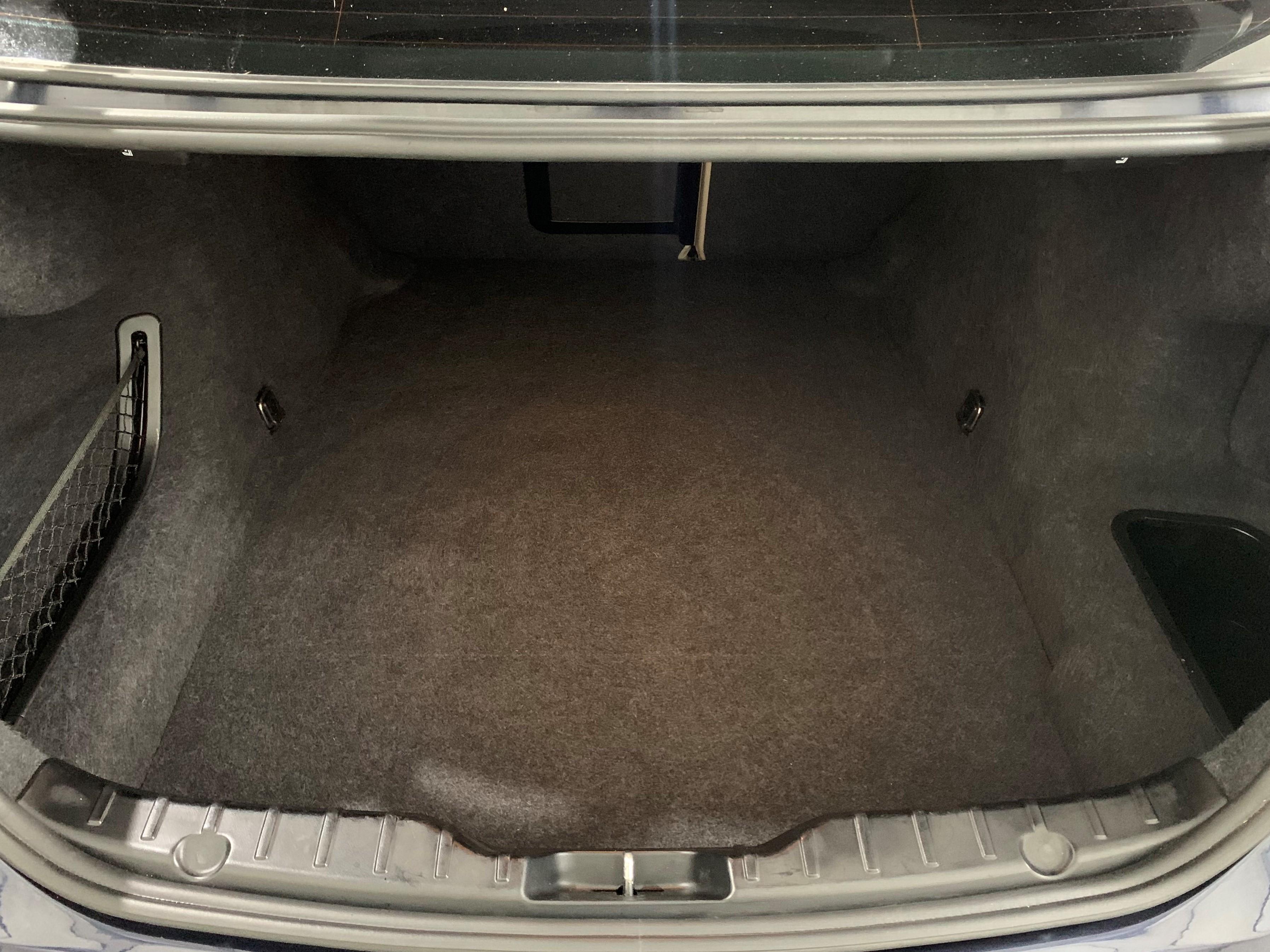 BMW F10 bagāžas nodalījums pēc salona ķīmiskās tīrīšanas